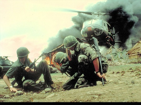 138688789941524_war_fire_vietnam_lets_go_to_uh-1_iroquois_huey_us_troops_operators_m4a1_burning_village_desktop_1024x768_wallpaper-3057092